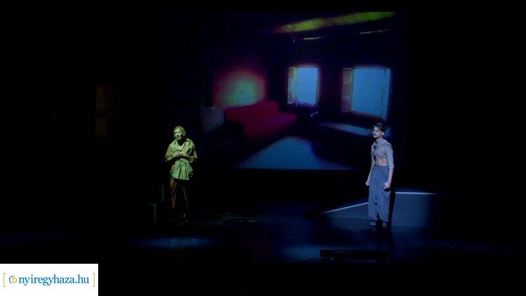 Mágiával átszőtt, kalandos előadás várja az érdeklődőket a Móricz Zsigmond Színházban