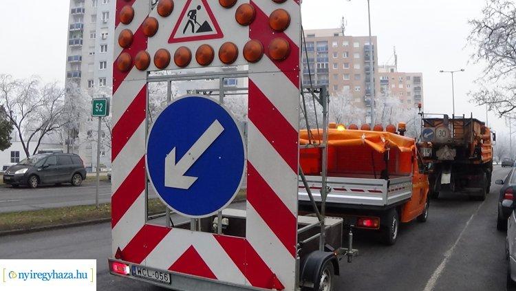 Hidegkátyúzási munkálatokat végez a Magyar Közút a Ferenc körúton – Forgalomkorlátozás!