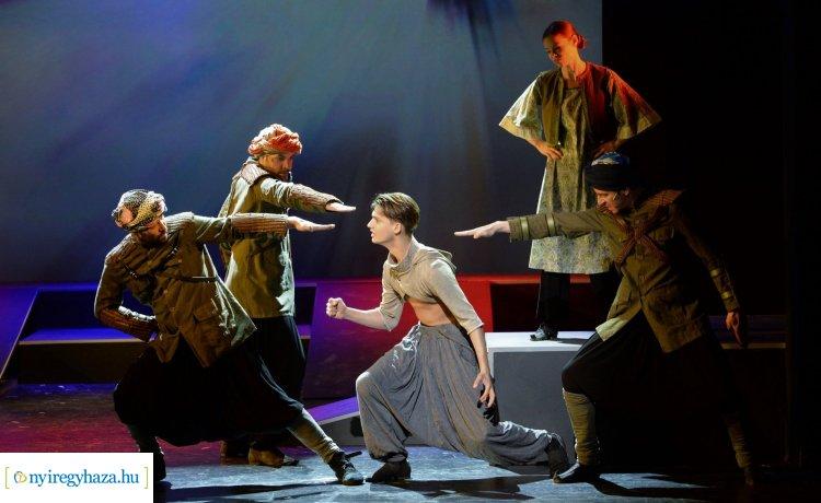 Ezeregyéjszaka – Papp Dániel és Kirády Marcell a Sziesztában meséltek a darabról
