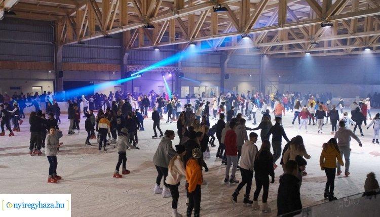 Retro Ice Party Nyíregyházán – Fantasztikus volt a hangulat a Jégpályák Éjszakáján