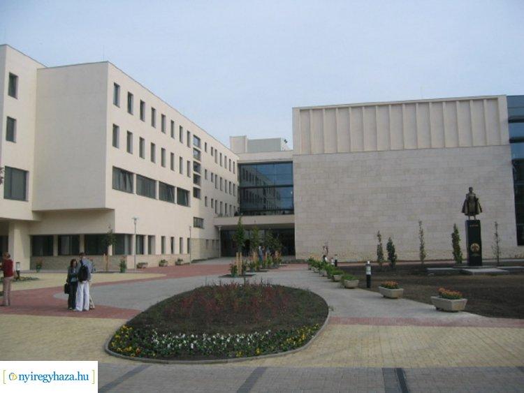 Lemondott a Nyíregyházi Egyetem kancellárja – A zavartalan működést nem befolyásolja