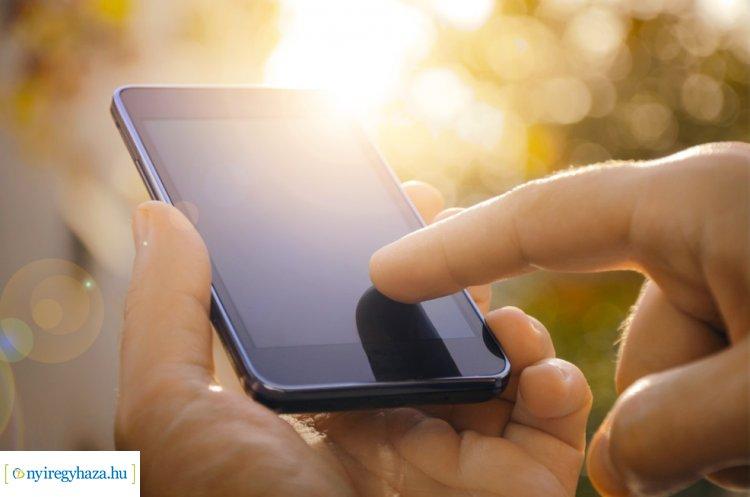 Erkölcsit lehet majd kérni elektronikusan, a kormányablak app a sorállást mérsékelheti
