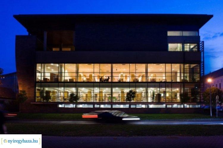 Tanulást segítő fejlesztések a nyíregyházi könyvtárban – Több közösségi tér is megújult!