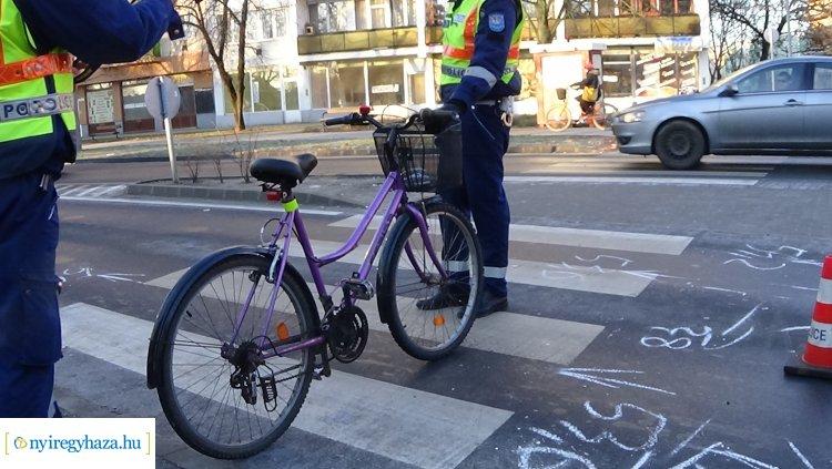 Kerékpárost gázoltak a Szarvas és Kígyó utcai körforgalomnál