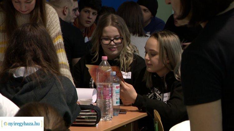 Bemutató a Zrínyiben – Egyedülálló oktatóprogram fejleszti a fiatalok kreativitását