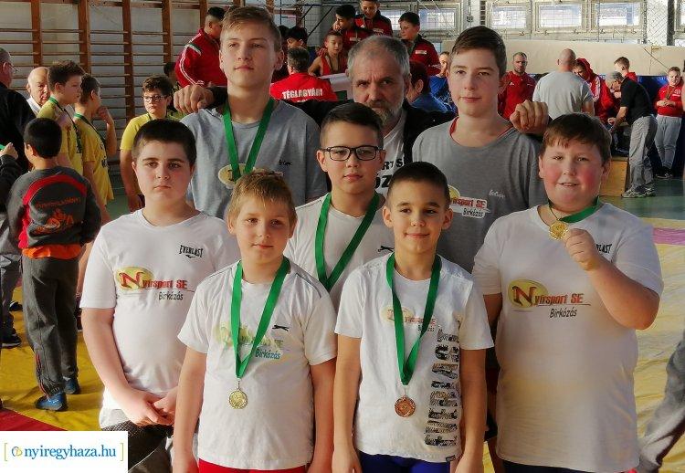 Gyöngyösön a birkózók - a Nyírsport SE fiatal versenyzői is szőnyegre lépnek