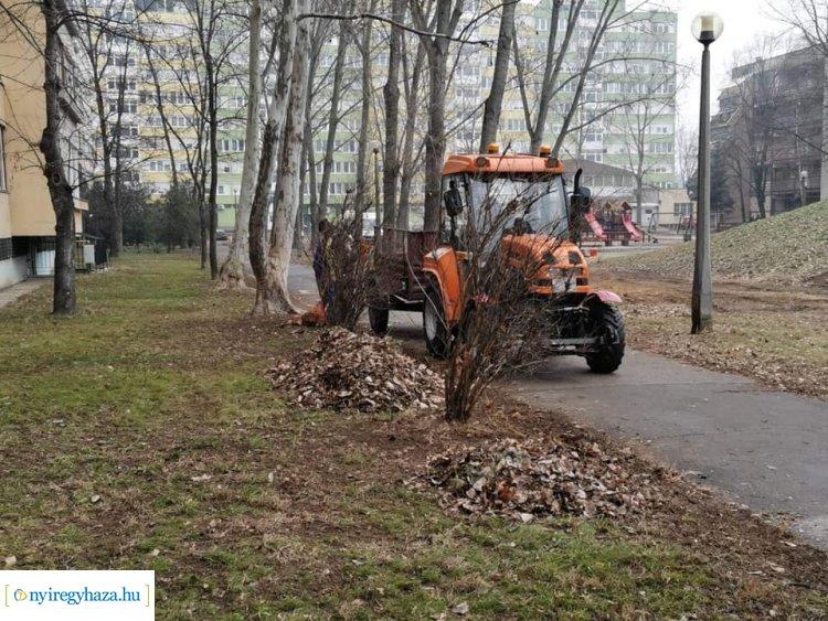 Megkezdte a tavaszi előkészítő munkálatokat a NYÍRVV a város több pontján is