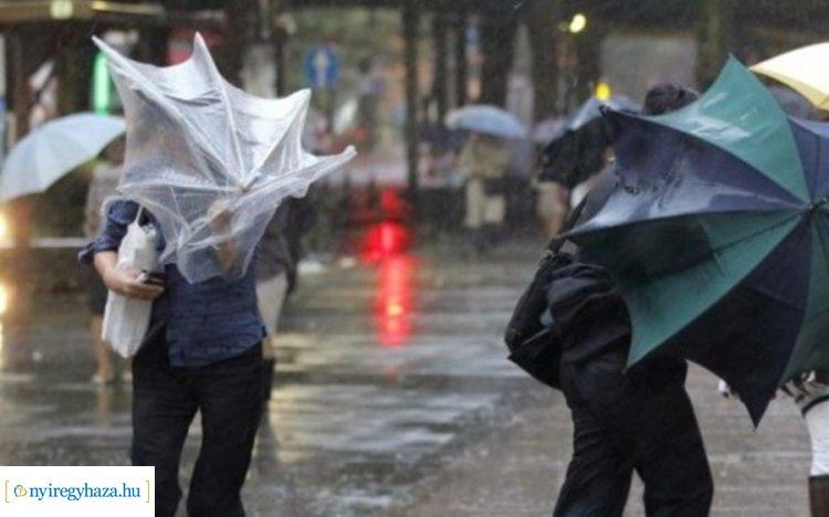 Elsőfokú riasztást adtak ki az ország nagy részére: viharos szél és zivatarok