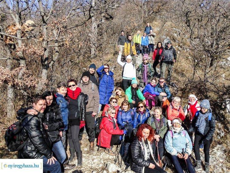 Napsütötte hegyoldal, szép kilátással – A Diósgyőri várnál járt a Zöld Kerék Alapítvány