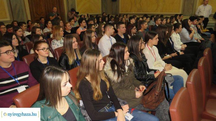 Február 18-án Városi Diákparlamentet tart a nyíregyházi ifjúság