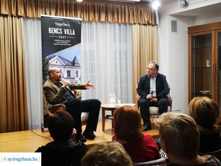 A csúcson és a mélyponton – Kálid Artúr volt a Bencs Villa vendége