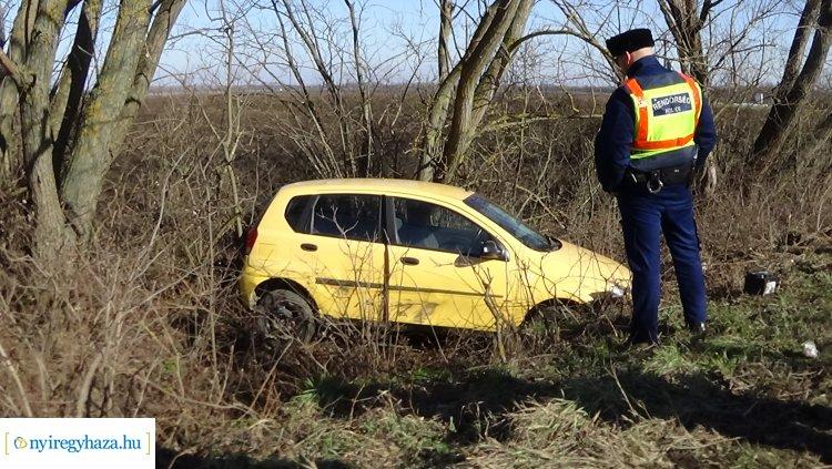 Kisteherautó és személygépkocsi ütközött csütörtök délelőtt Sóstóhegy és Kótaj között