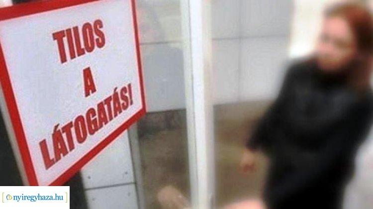 Hétfőtől részleges látogatási tilalmat rendelnek el a Jósa András Oktatókórházban