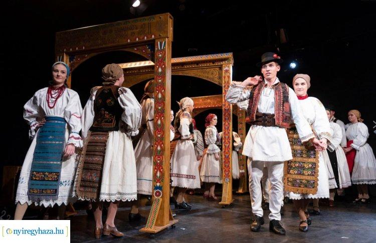 Táncfarsang a színházban - a nyitónapon a Nyírség Táncegyüttes lép színpadra