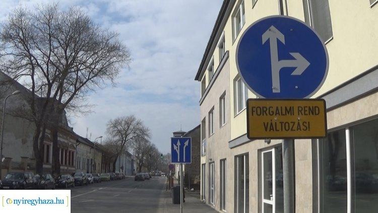 Közlekedők figyelem! – Forgalmirend-változás a Bocskai és a Kálmán utcai kereszteződésben