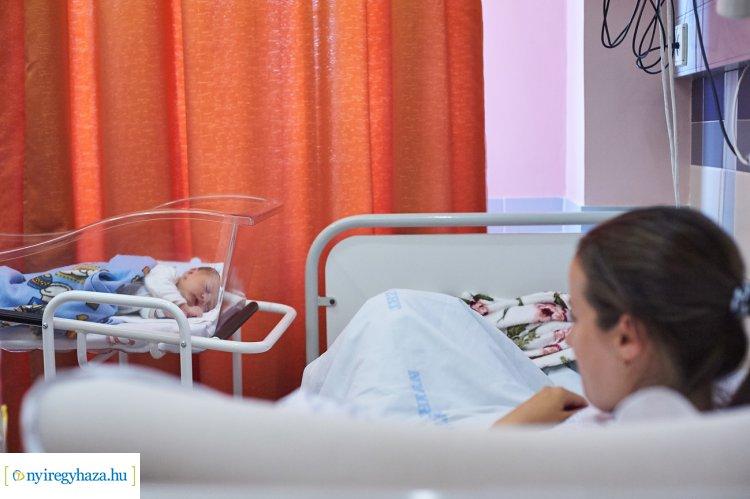 Családi szülőszobákat alakítanak ki a kórházban - A tervek szerint tavaszra elkészül