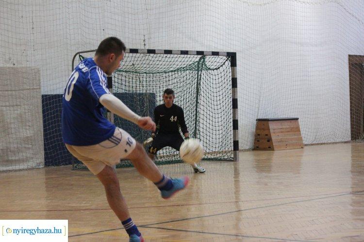Szombaton Szuperdöntő - Befejeződtek a csoportmérkőzések a teremlabdarúgó bajnokságban
