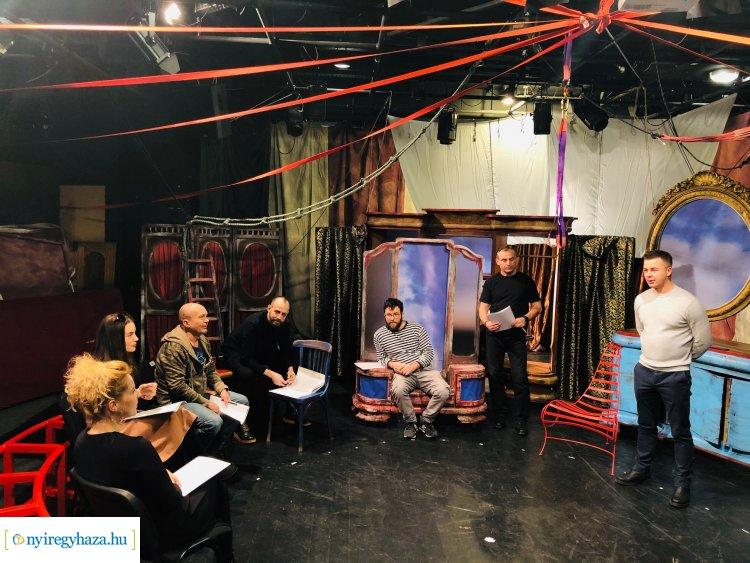 A púpos lovacska – Fordulatos gyermekelőadással készül a Móricz Zsigmond Színház