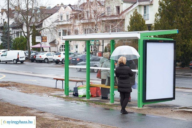 Megújuló buszmegállók Nyíregyháza több pontján, többek között a Korányin is!