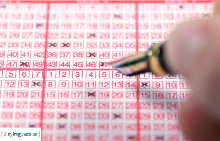Tovább halmozódik az ötös lottó főnyereménye – Nem vitték el a rekordnyereményt