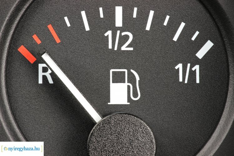 Jelentős árcsökkenéssel kezdődik a március – Így változnak az üzemanyagárak