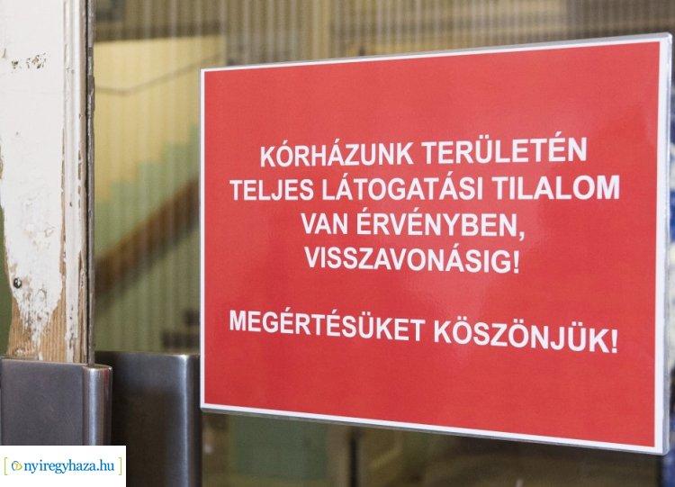 Teljes látogatási tilalmat rendeltek el az SZSZBMK tagkórházaiban