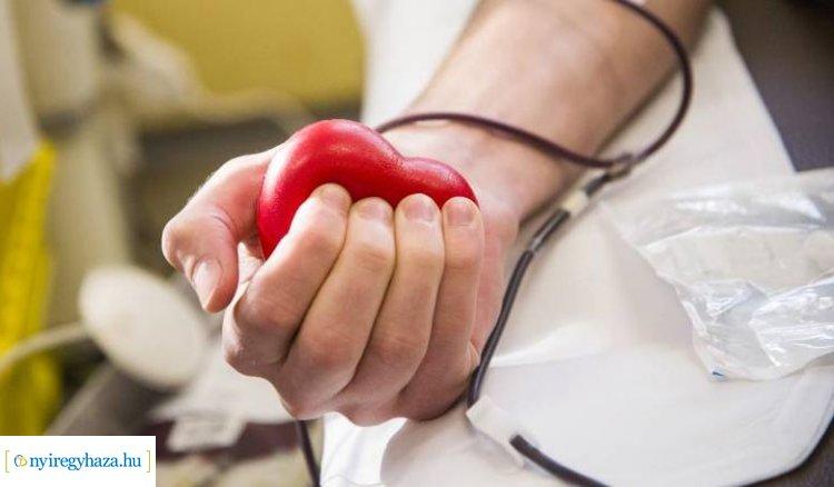 Tavaszi véradás a Nyíregyházi Egyetemen – Csütörtökig várják a véradókat!