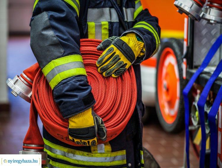 Közel 10 alkalommal riasztották megyénk tűzoltóit szabadtéri tüzekhez kedden