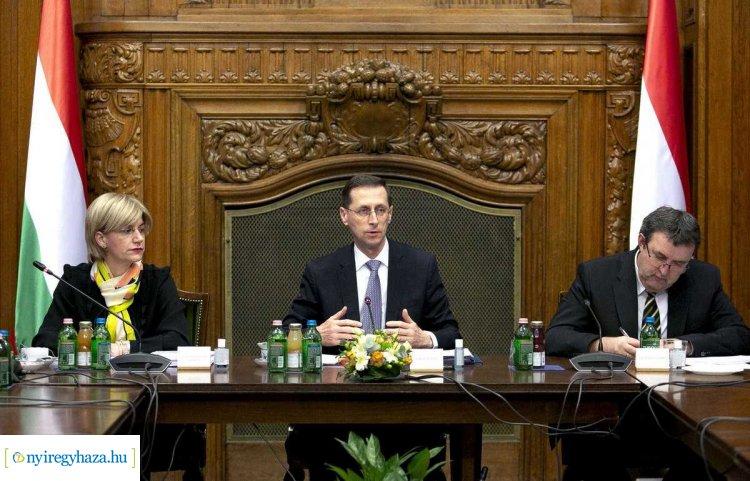 Megtartotta első ülését a koronavírus elleni védekezés pénzügyi akciócsoportja