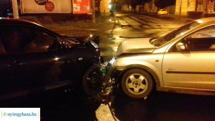 Egy személy megsérült az Inczédy sor és Bocskai utcai csomópontnál történt balesetben