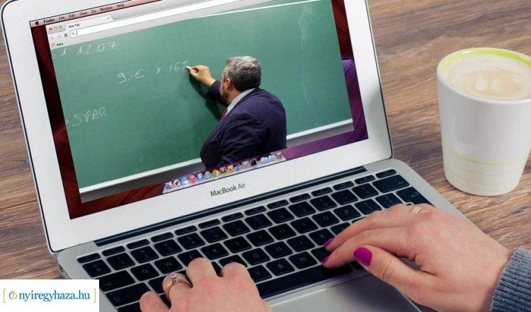 Távoktatás az egyetemen: az eddig ismert rendszerek mellett új szoftvereket is tesztelnek