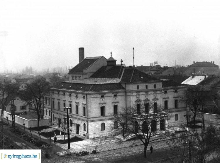 Ma 60 éve, 1960. március 25-én nyitották meg az akkor felújított nyíregyházi színházat