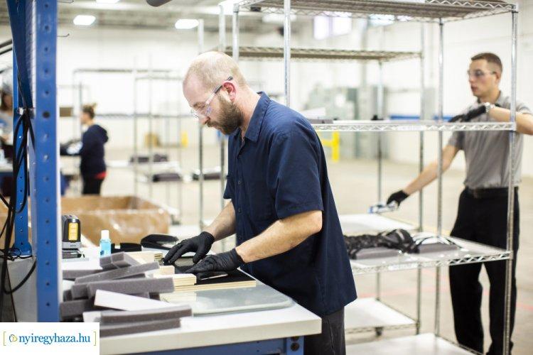 Koronavírus: megkezdi az egészségügyi felszerelések gyártását a Ford is