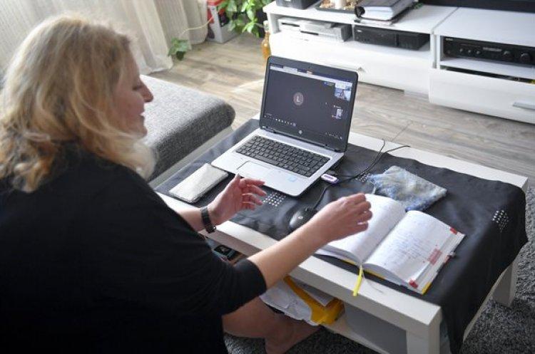 A pedagógusokat is számos digitális tartalom segíti az új oktatási munkarendben