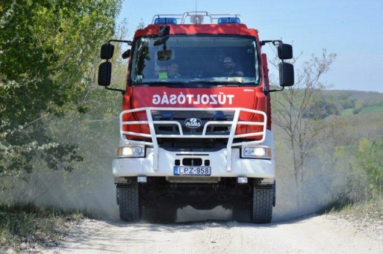 Több mint tíz szabadtéri tűzhöz riasztották megyénk tűzoltóit vasárnap