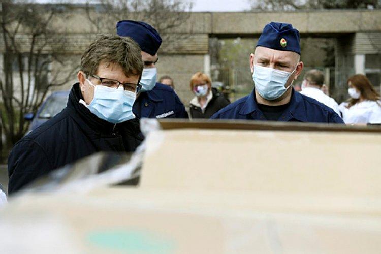 Operatív Törzs: Jól szolgálja a járvány lassítását a kijárási korlátozás