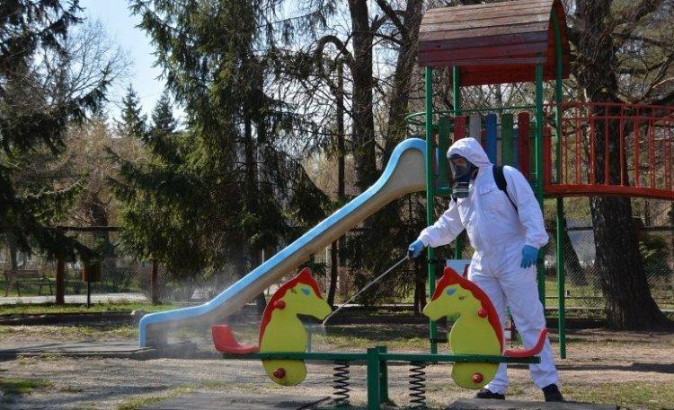 A közterületeken lévő játszóterek, kondiparkok fertőtlenítését végzi mától a NYÍRVV
