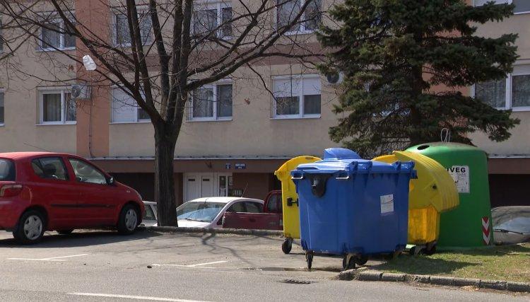 Fertőtlenítik a hulladékgyűjtőket – Az 1100 literes vegyes és szelektív tárolókat is!