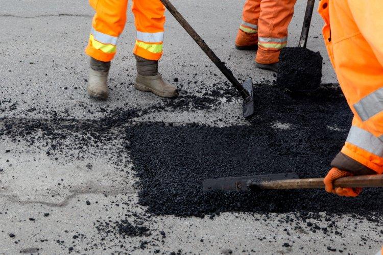 Burkolatjavítás miatt forgalomkorlátozás lesz az M3-as autópályán Gödöllő térségében