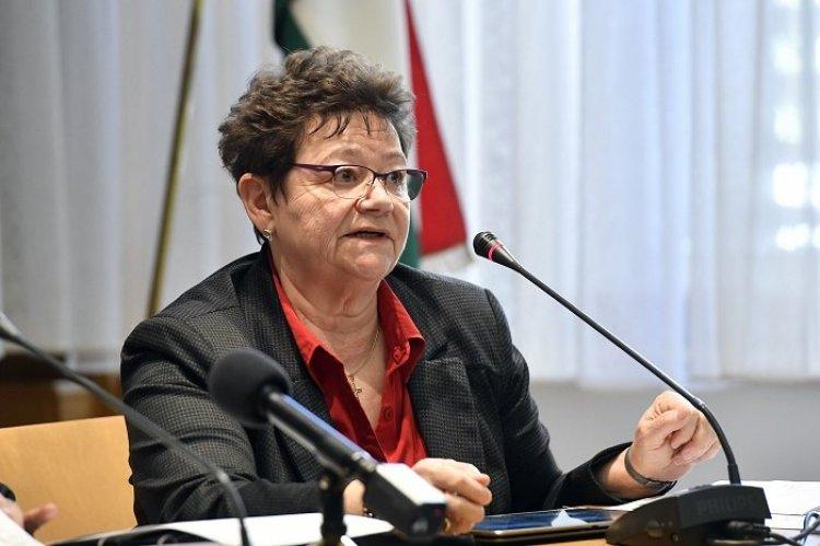 Müller Cecília: az időben meghozott járványügyi intézkedések nagyon hatékonyak voltak