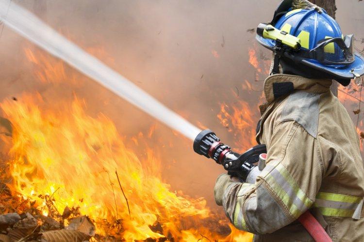 Több helyen volt szabadtéri tűz kedden: Apagyon egyhektáros területen égett a száraz fű