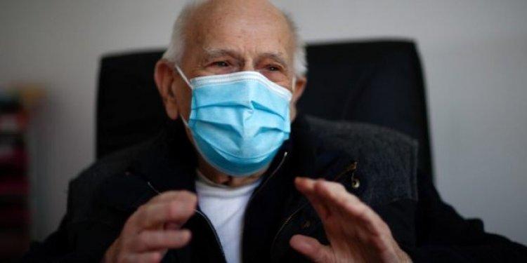 Mosható, vasalható pamut maszkot kapnak a 65 év feletti nyíregyháziak