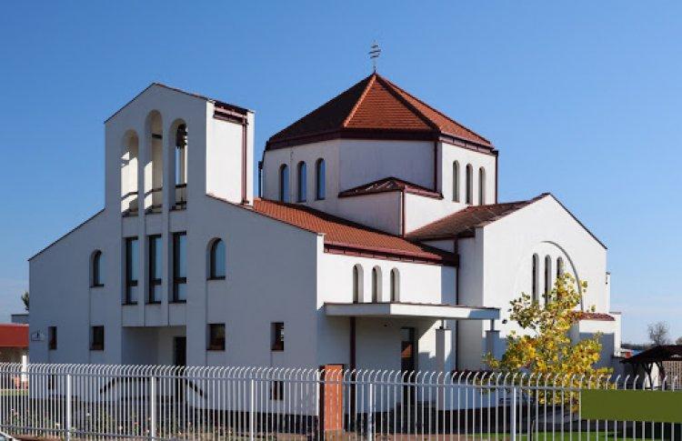 A katolikusok megnyitották a templomokat, a reformátusok ma döntenek