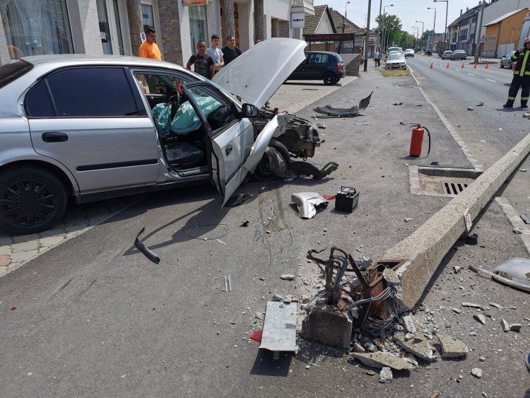 Megsodródott majd falnak csapódott egy jármű a Debreceni úton