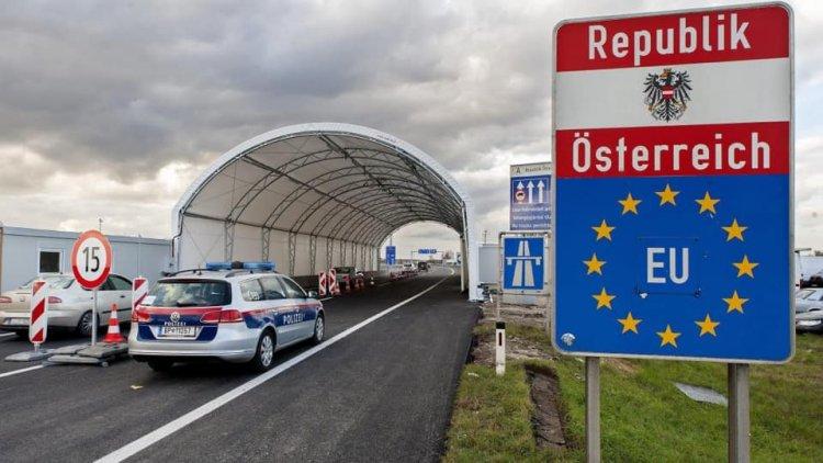 Nem kell hatósági házi karantén az Ausztria felől hazatérőknek, ha van negatív tesztjük