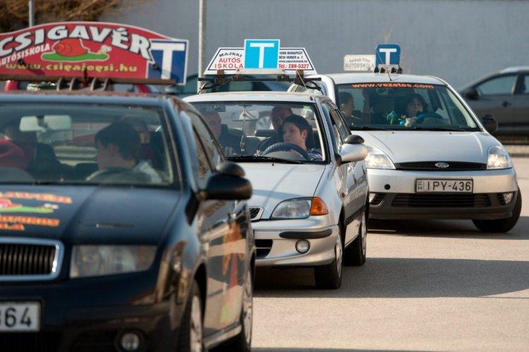 Innovációs és Technológiai Minisztérium: a hivatásos járművezetői vizsgák is megkezdődnek