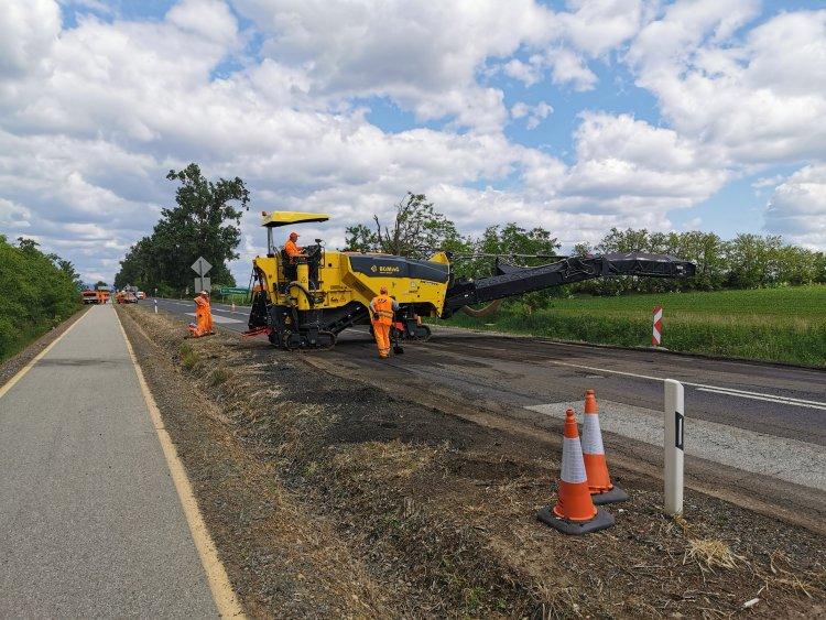 Aszfaltmarás - A 38-as számú főúton útépítés miatt forgalomkorlátozás van