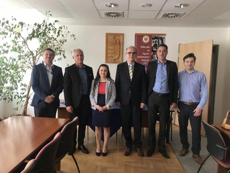 A FAKT AG cégcsoport vezetői látogatást tettek a Nyíregyházi Egyetemen