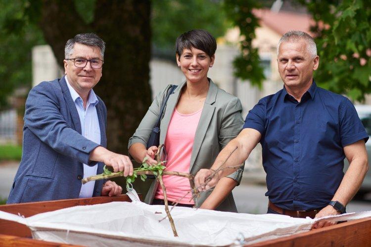 Zöldhulladék-gyűjtő pontokat alakított ki a Jósavárosban hat helyszínen a NYÍRVV