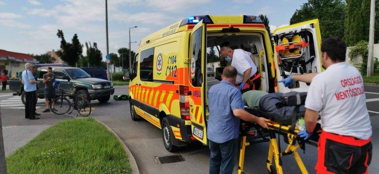 Megsérült a kerékpáros - Baleset történt a Korányi-Garibaldi kereszteződésnél